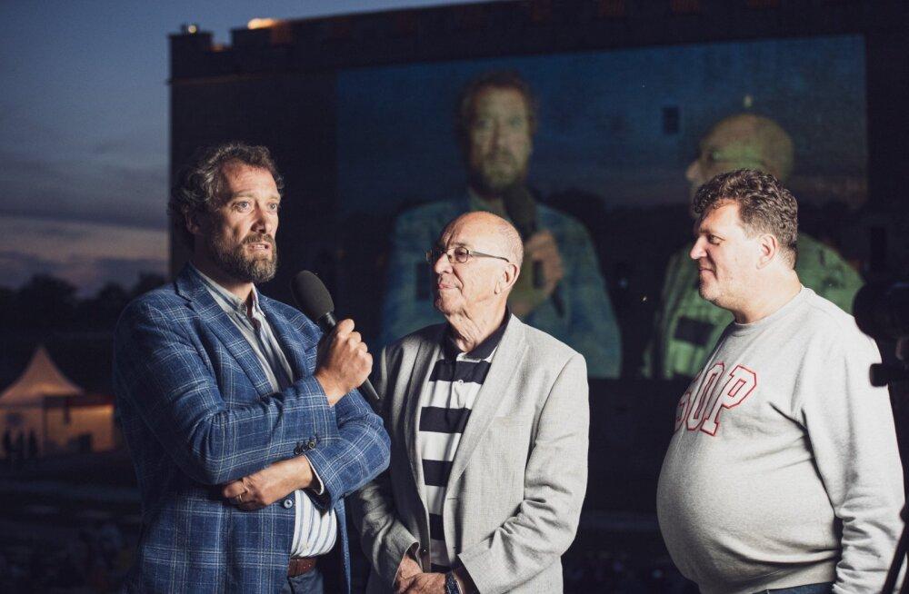 VESTLUSRINGIS Ooperilaulja Ain Anger ja Saaremaa Ooperipäevade kunstiline juht Arne Mikk.