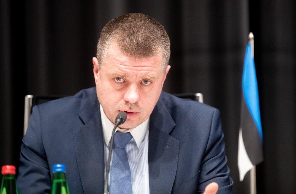 Рейнсалу призвал Россию соблюдать конституцию страны