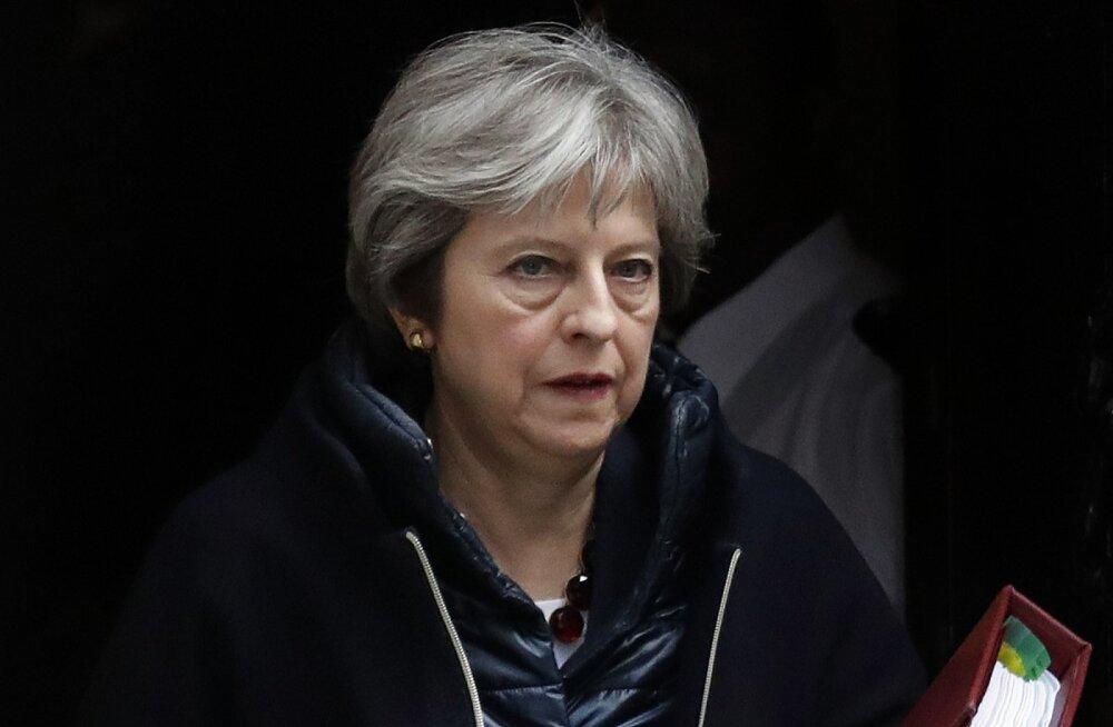 Theresa May: Inglise delegatsioon boikoteerib jalgpalli MM-i Venemaal