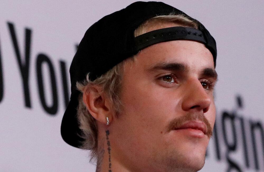 Justin Bieber nõuab fännidelt 20 miljonit dollarit väärkohtlemise süüdistuste eest!
