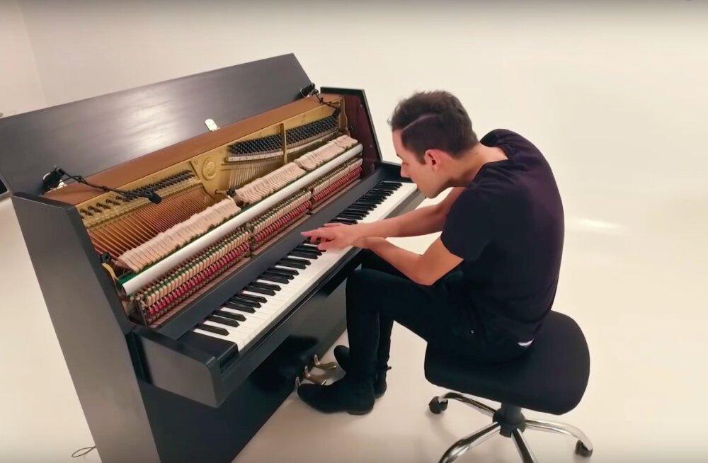 VIDEO | Maailma kiireim klaverimängija Peter Bence annab Eestis kontserdi