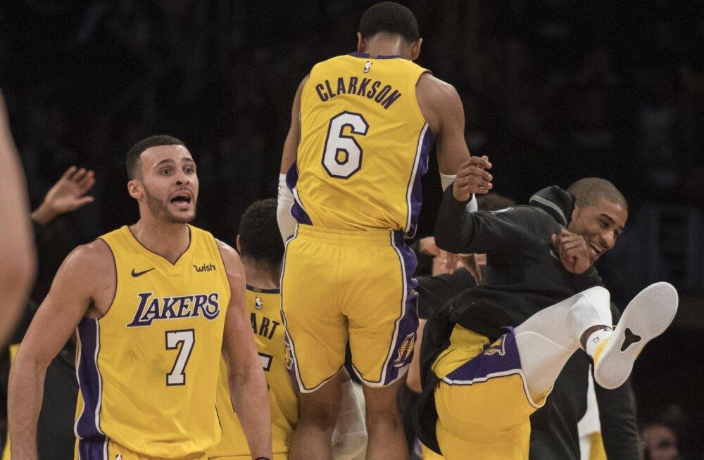 Los Angeles Lakers püstitas hämmastava NBA antirekordi, ent suutis siiski mängu võita