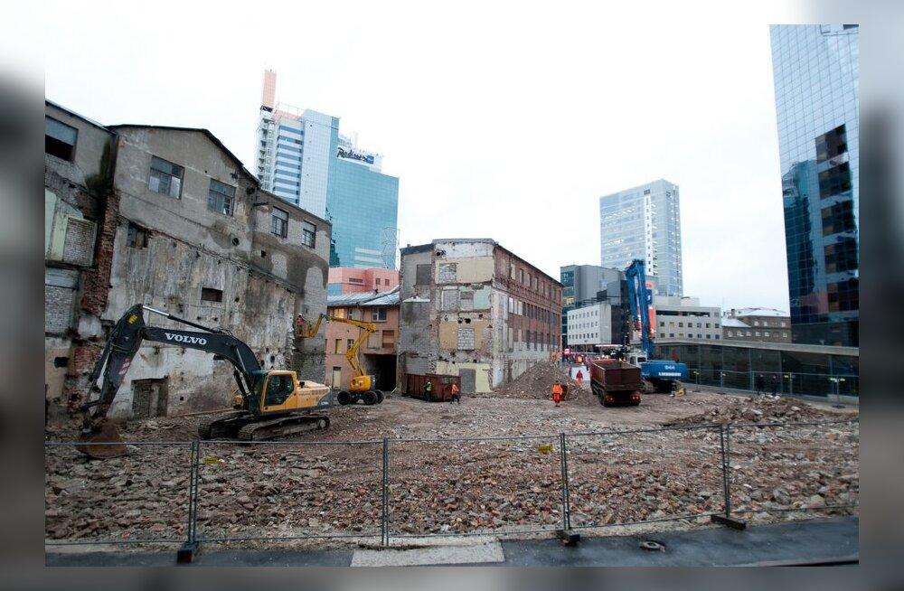 FOTOD: Swissôteli kõrval asuv kvartal hakkab arheoloogidele valmis saama
