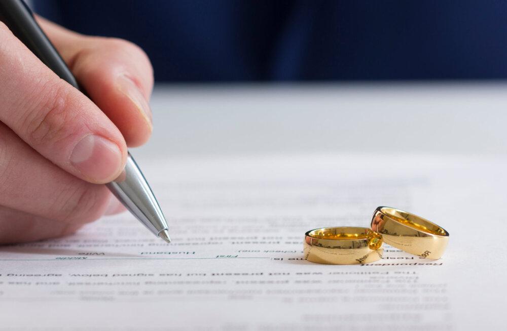 Koroonaviirus paneb inimesi lahutuse peale mõtlema? Hiinlaste lahutuste arv on karantiini tõttu kasvanud