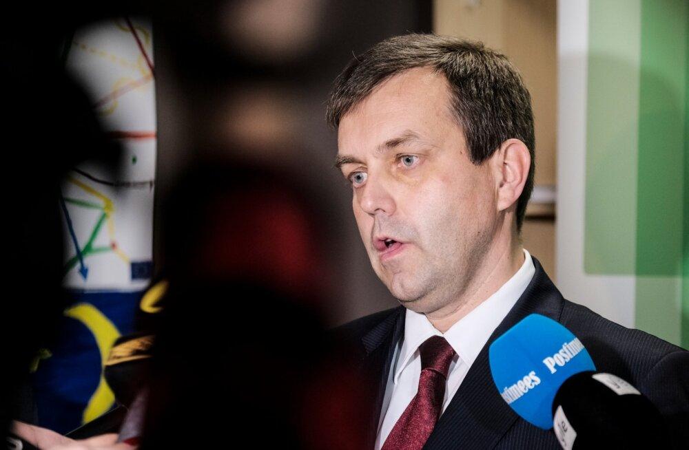 Haridus- ja noorteameti loomisega kaotab töö üle saja inimese, Tomberg saab hüvitisena 11 000 eurot