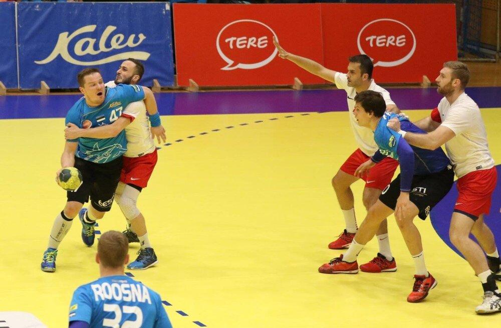 Kristo Voika (vasakul) ja Armi Pärt mäletavad, et 2017. aastal Türgis mängides sai Eesti magusa võidu