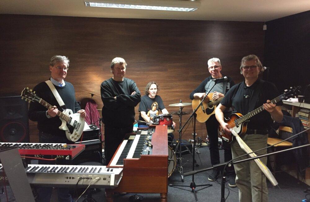 Vasakult: Andres Põldroo, Avo Ulvik, Andres Oja, Tiit Kõrvits ja Meelis Punder