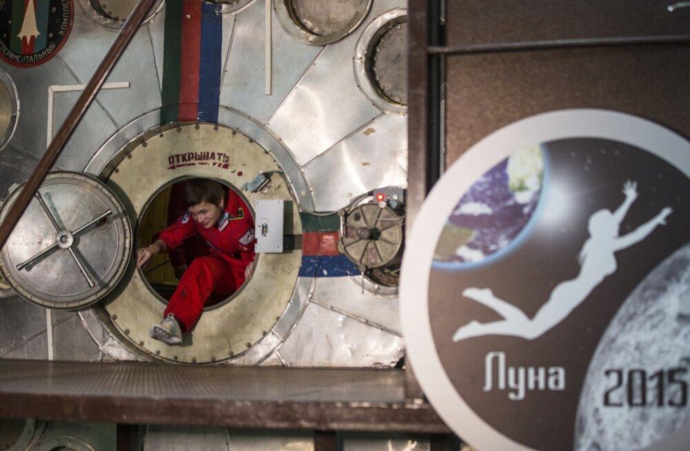 Mehi kaasa ei võetud: Venemaa katsetas naiste lendu Kuu peale