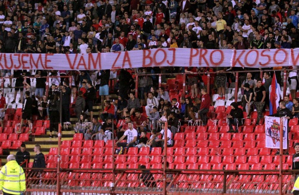 Serbia peab järgmise EM-valikmängu rassistlike fännide tõttu kinniste uste taga