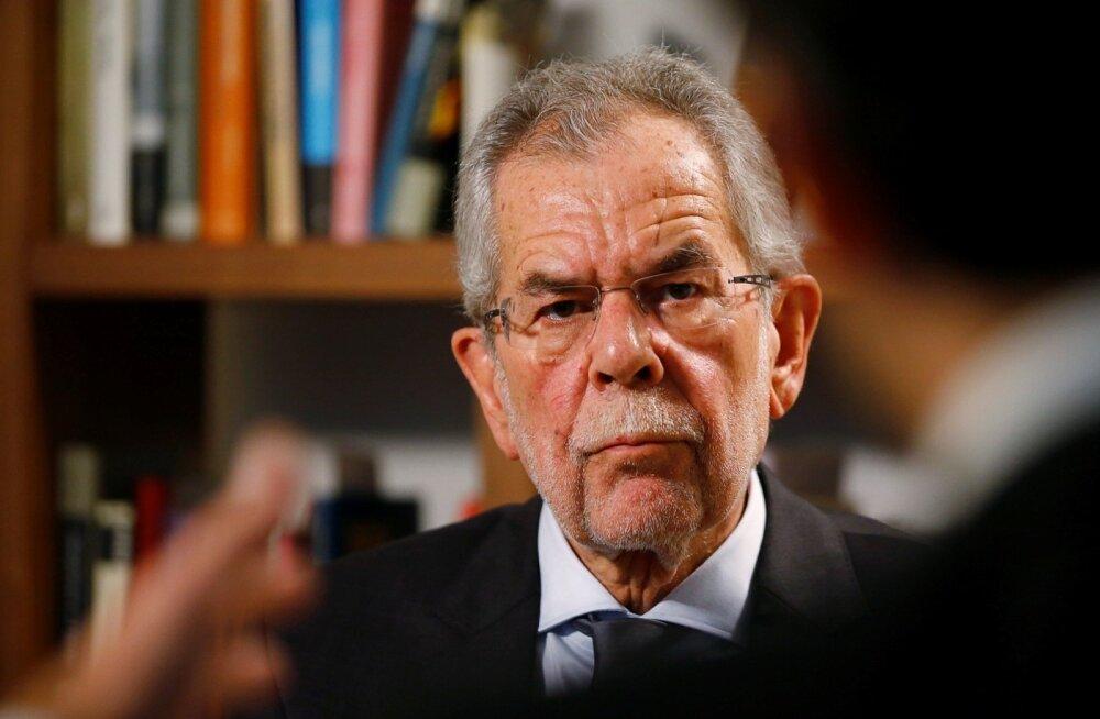 Eesti arhiividest otsiti edutult tõendeid Austria presidendikandidaadi isa väidetava natsimineviku kohta