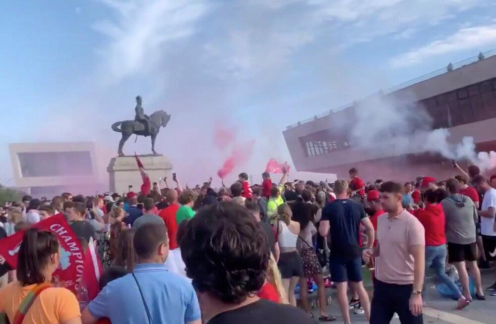 Liverpooli jalgpallifännid