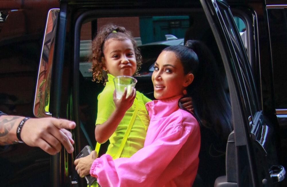 VIDEO | Seksiskandaaliga kuulsaks saanud Kardashian selgitas tütrele, miks ta kuulus on