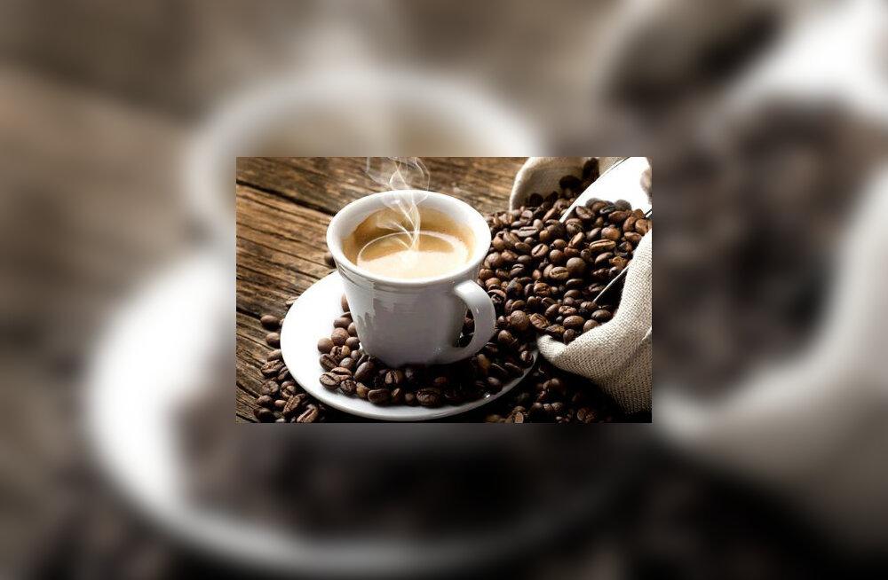 Kuidas kofeiin mälu parandab, pole veel päris selge. On teada, et kofeiin tõstab ajus virgatsaine noradrenaliini taset. Lisaks võib see parandada mälu eest vastutava hipokampuse neuronite vahelisi ühendusi