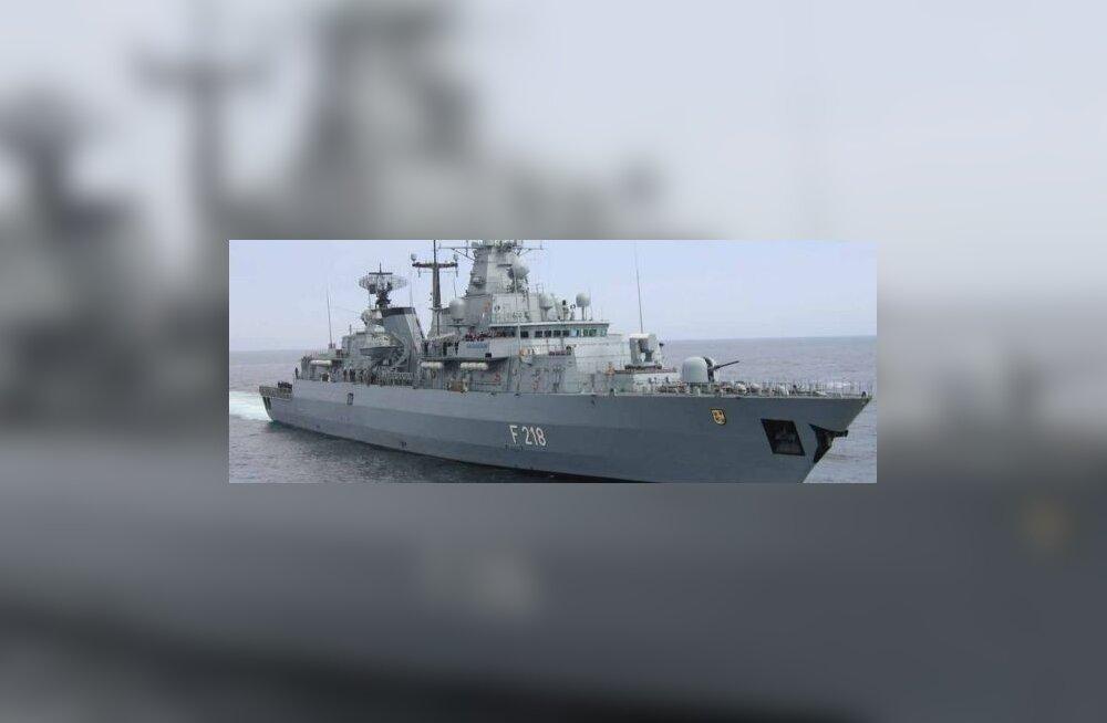Saksa fregatt tõrjus piraadirünnaku kruiisilaevale