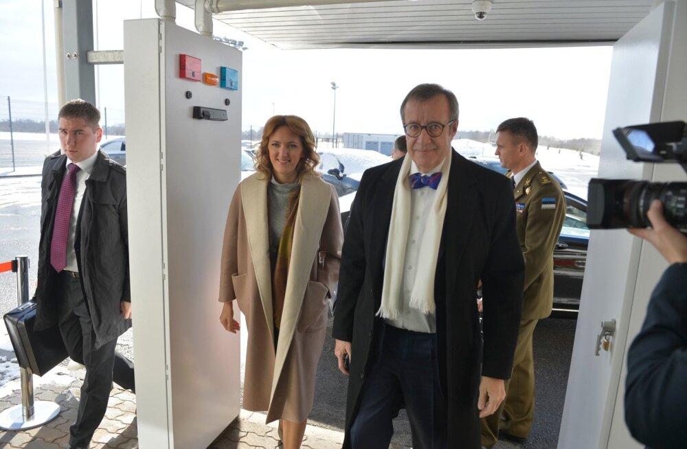 DELFI FOTOD: Eesti esipaar startis suure kaaskonnaga Horvaatia visiidile