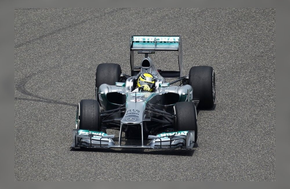 Red Bull maruvihane: Mercedes testis salaja Pirelli rehve