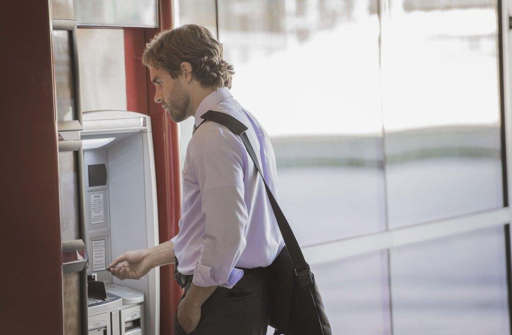 Pank viibutab sõrme: viis finantsviga, mida teevad mehed