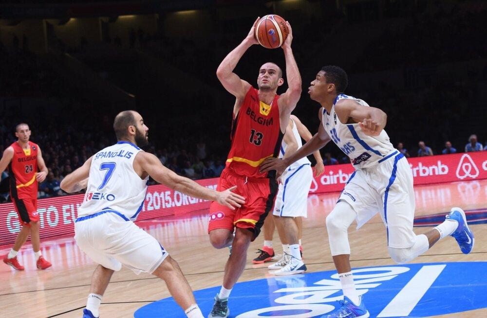 Vassilis Spanoulis ja Giannis Antetokounmpo mängus Belgiaga
