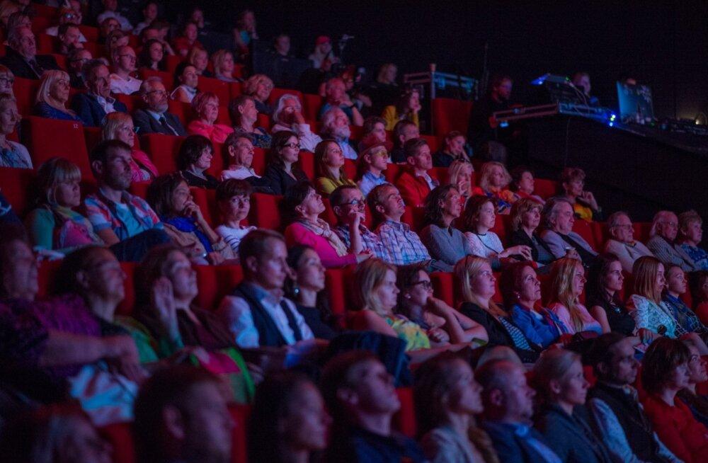 Lugeja: tahtsime Narvas kinno minna, aga ei saa - kõik filmid on vene keeles!