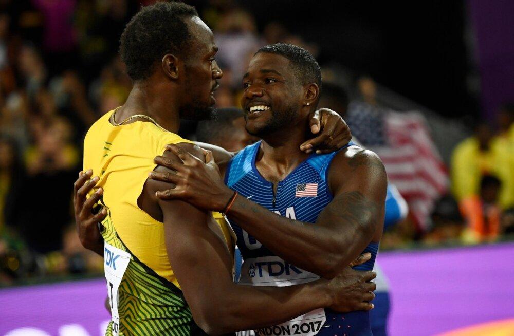 Võitjast antikangelane Justin Gatlin (paremal) ja tegelik kangelane Usain Bolt.