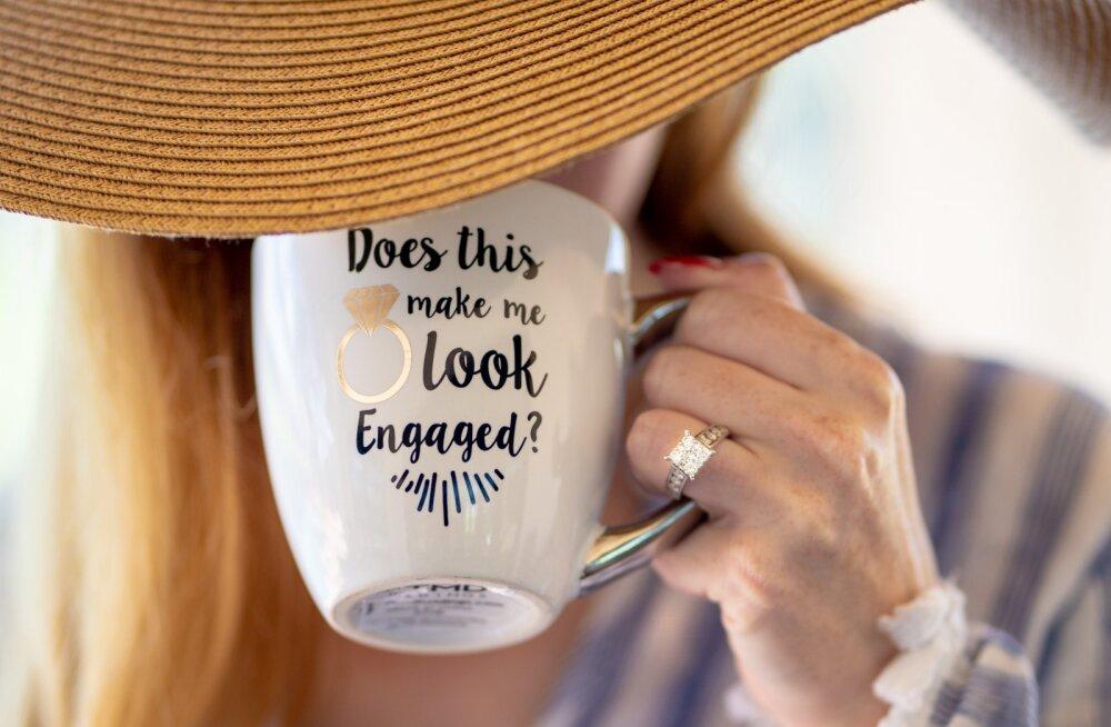 Uus üllatav trend! Miks valib aina enam naisi endale ise kihlasõrmuse?