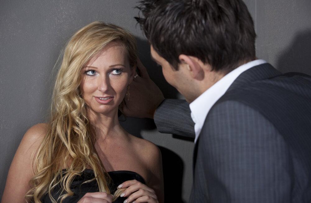 50aastane üksik eestlanna: mehed panevad oma kaasad muside-kallidega magama ja tulevad siis minult seksi nuruma