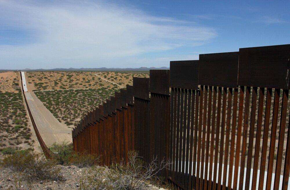 USA suunab Eestisse erivägede objekti ehitamiseks mõeldud raha hoopis Trumpi piirimüüri rajamisse