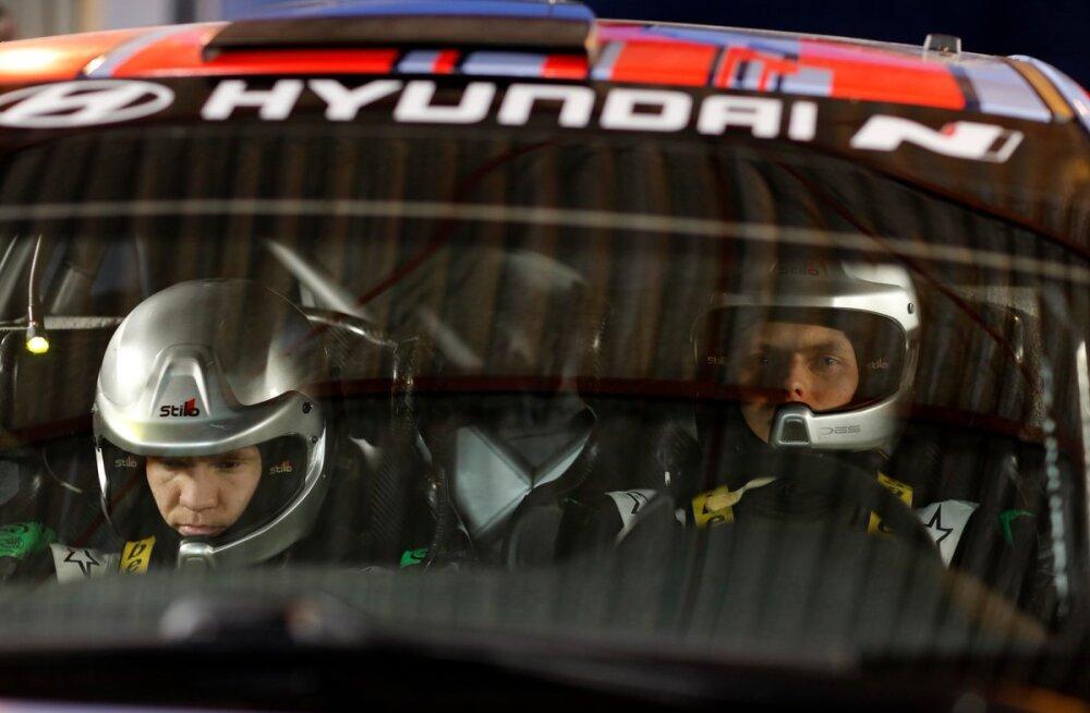 FOTOD | Tänak ja Järveoja poseerisid esimest korda Hyundai värvides