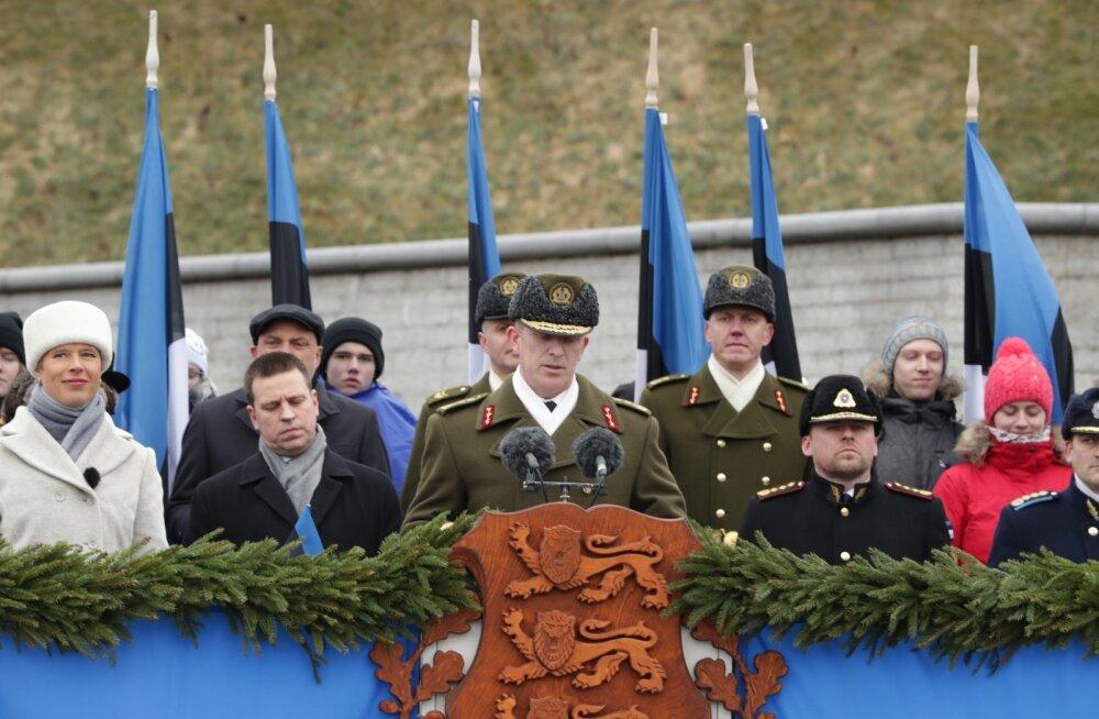 Kaitseväe juhataja paraadikõnes: kui Vabadussõjas lahingumoon otsa sai, kaitsti positsioone ka kive pildudes