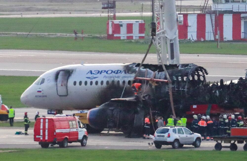 Командир сгоревшего суперджета рассказал на допросе, что пассажиры погибли из-за открытой задней двери салона