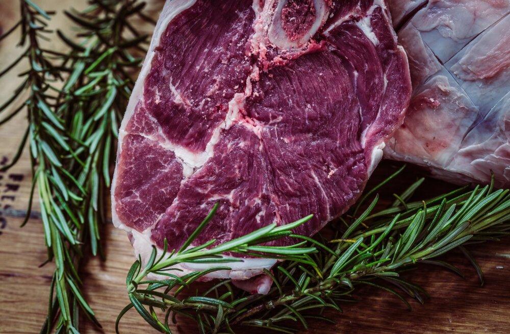 """ОПРОС: Более 50% эстонской молодежи готовы есть выращенное в лаборатории """"мясо из пробирки"""""""