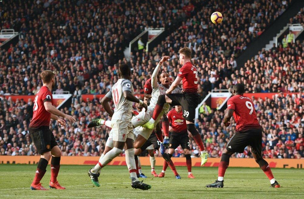 Manchester Unitedi (punases) ja FC Liverpooli duellis jäid väravad löömata.