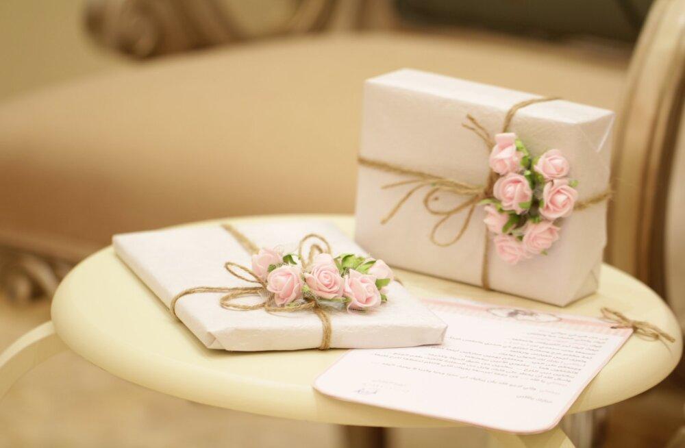Vastus kõige levinumale küsimusele pulmafoorumites: mida silmas pidada, kui pead otsustama, kui suure kingituse pruutpaarile teed