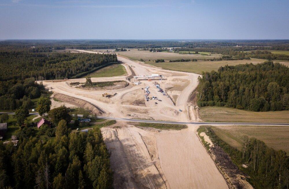 Neljarealise maantee ehitus