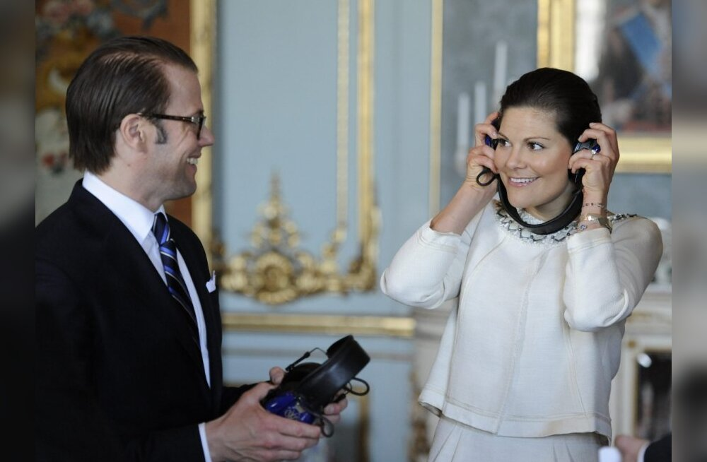 ear muffs special for hunting during the reading of the bann ceremony at the Royal Palace in Stockholm_SCANPIXB100282
