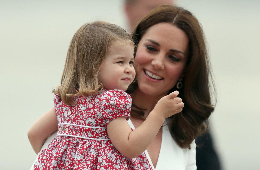 Üllatav! Kõigest kaheaastane printsess Charlotte teeb väikevenna sünniga ajalugu