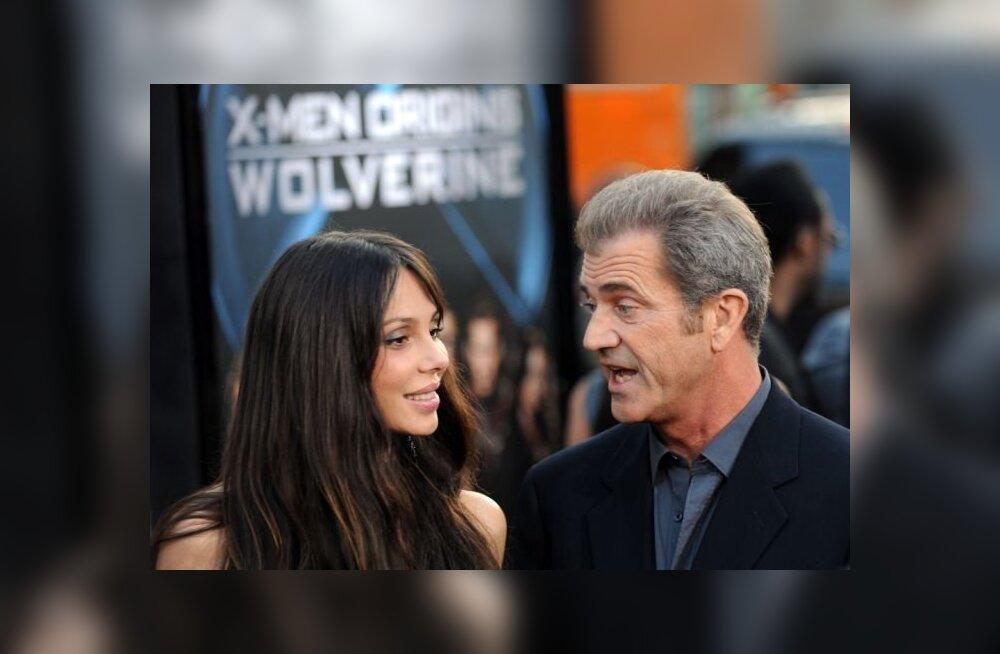 Tüdruksõbra karm väide: Mel Gibson lõi mul hambad sisse!