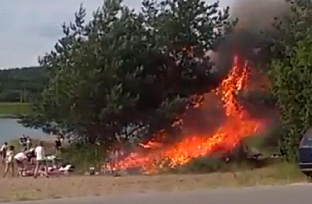 VIDEO | Vaata, kuidas süütust grillimisest saab viie sekundiga metsik tuleõnnetus