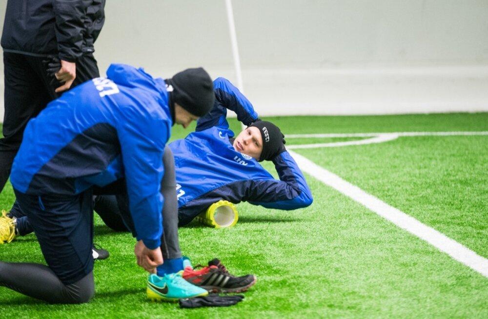 Eesti jalgpallikoondise treening sisehallis