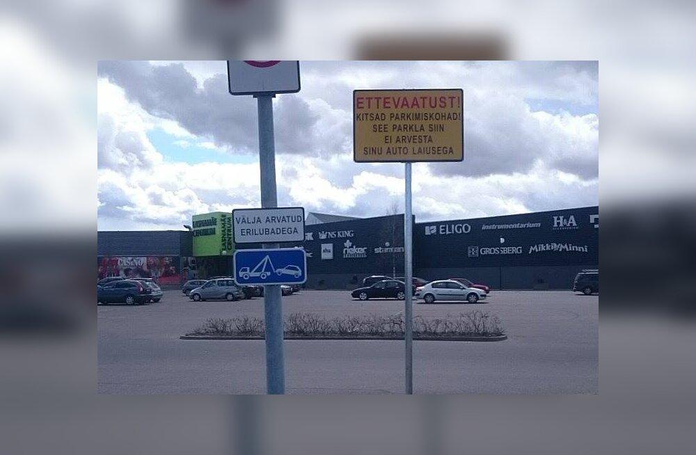 Loe, millised ohtlikult kitsaste parkimiskohtadega kaubanduskeskused said autojuhte hoiatavad sildid