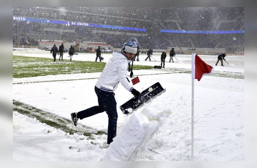 FOTOD: Uhke lumetorm rikkus Lindpere ja Red Bullsi poolfinaalkohtumise