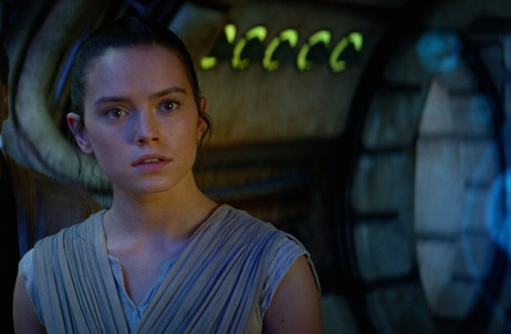 "Daisy Ridley filmis ""Star Wars: Jõud tärkab"".jpg"