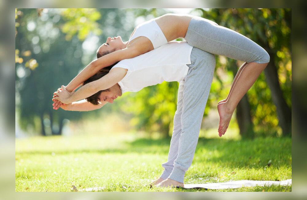 Tõhus joogateraapia: miks soovitavad arstid tervenemiseks seda iidset praktikat?