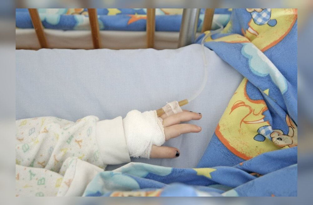Aastane tüdruk sai tänu Lastefondile sõita Inglismaale ravile