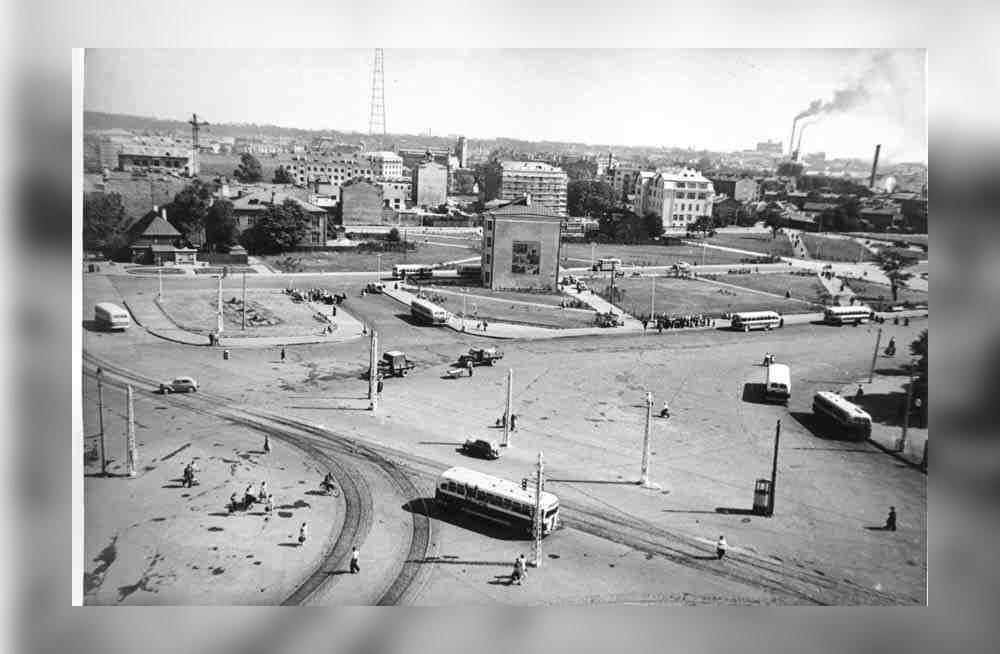 ФОТО: История таллиннской площади Виру — от XIV века до наших дней