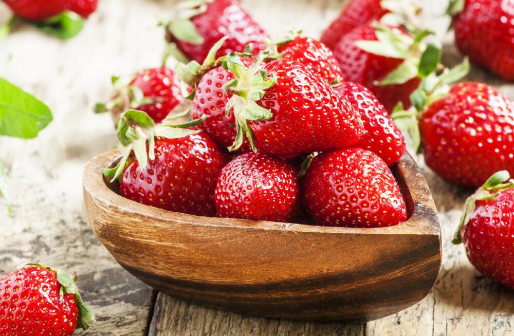 Käes on maasikaaeg: 10 head põhjust, miks nautida maasikasöömist