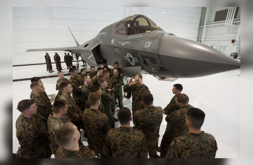 """Karm kriitika: USA õhuvägi nimetas tulevikuhävitajat F-35B """"nõrgaks"""" ja loobus hankest"""