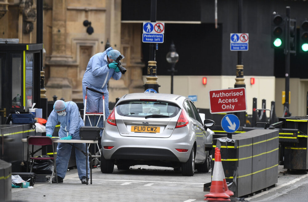 Londoni parlamendi ees autoga inimesi rünnanud mees sai süüdistuse