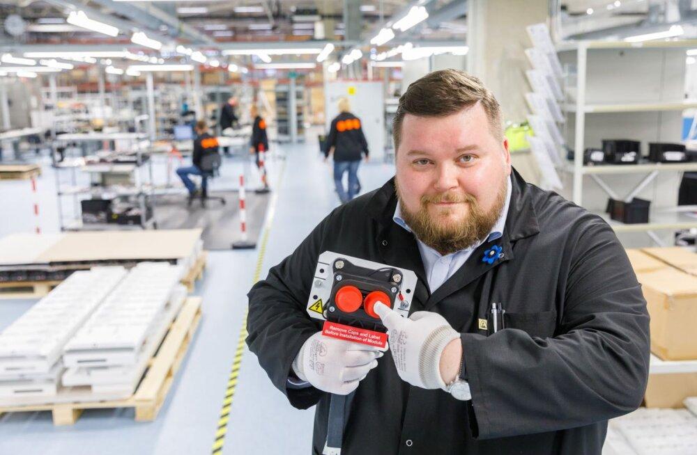 Saaremaa elektroonikatööstus sõlmis koostöölepingu maailma juhtiva laevaakude tootjaga