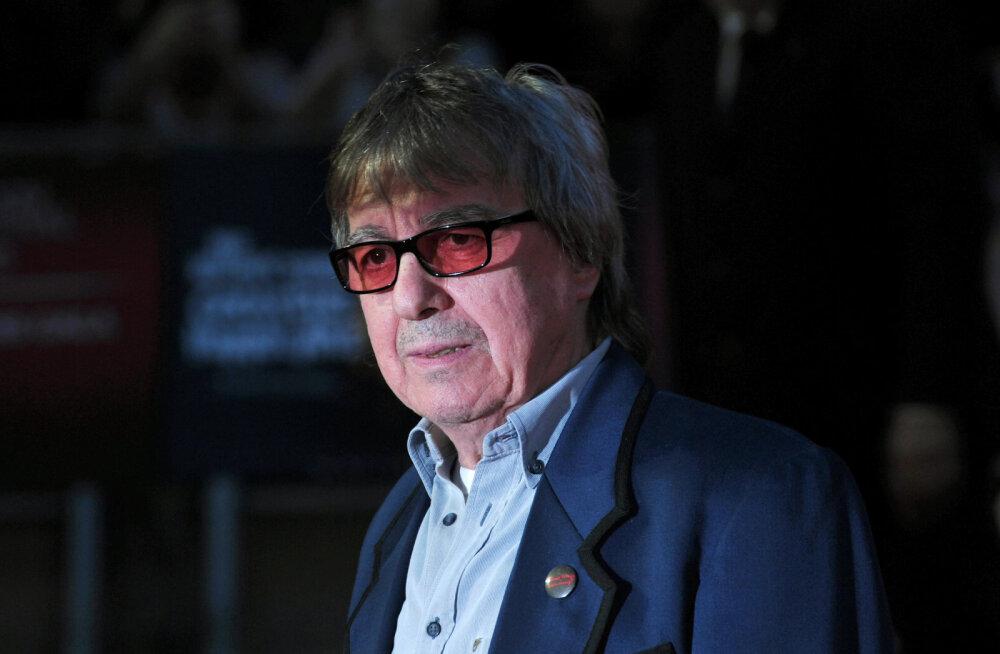 Menuansambli Rolling Stones endisel bassimehel diagnoositi vähk